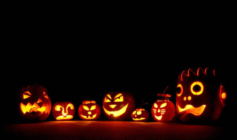 How to sign in guests for Halloween Trick-or-Treating