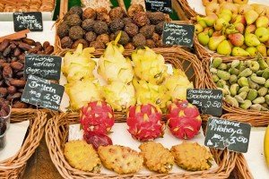 Photo by Thinkstockphotos.comLocal farmer's and seasonal markets offer a wide variety of foods and other products. Some of the larger seasonal markets throughout the year, like Christmas markets, fall festivals, and spring fests also offer entertainment, carnival rides and much more.