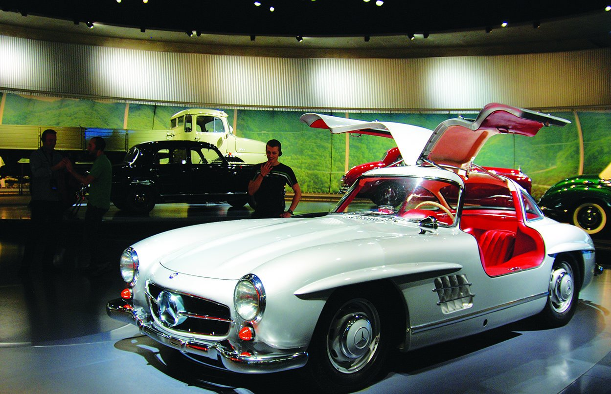 Time travel through automobile history at mercedes benz for Mercedes benz with wing doors
