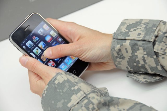 Service members, employees, families sign up for AtHoc emergency alerts