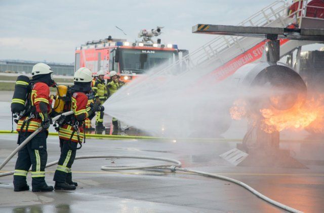 USAG Stuttgart and Stuttgart Airport partner in full scale exercise