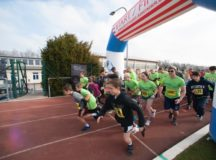 Participants in the 15th Annual Spring Fling 5k Fun Run begin the race from Husky Field, Patch Barracks, March 25.