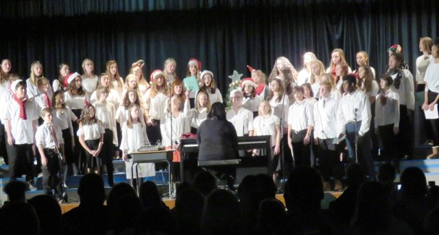 Patch Middle School Chorus performs Christmas concert