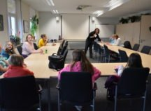 Instructor Valerie Sultan teaches an ASL class, March 14. Photo by Sarah Kemp, manager, USO Center-Stuttgart