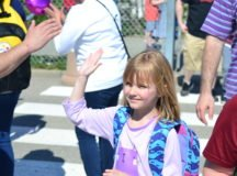 RBES PTSA, DES and MPs send off students with applause and cheers on Purple-Up Day
