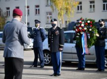 Col. Jason W. Condrey, Commander, U.S. Army Garrison Stuttgart, participates in a wreath laying ceremony to honor the soldiers and civilians during the German Veterans Day held by the Bundeswehr at Panzer Kaserne, Boeblingen, Germany, Nov. 8, 2020. A ceremony dedicated to the German veterans has not been conducted since Sept. 11, 2001 on Panzer Kaserne. (U.S. Army photo by Rey Ramon)