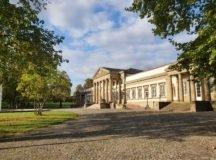 Schloss Rosenstein. Photo by Bardia Khajenoori